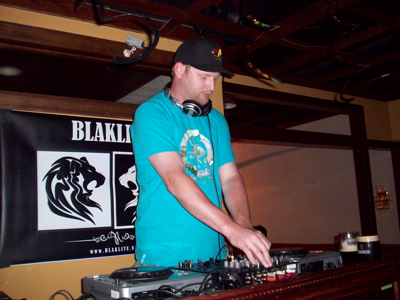 House Therapy: BLAKLITE, BEN CLEAR, JAKE ENCINAS - 7/14/2011
